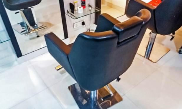 C7 Unisex Salon & Spa